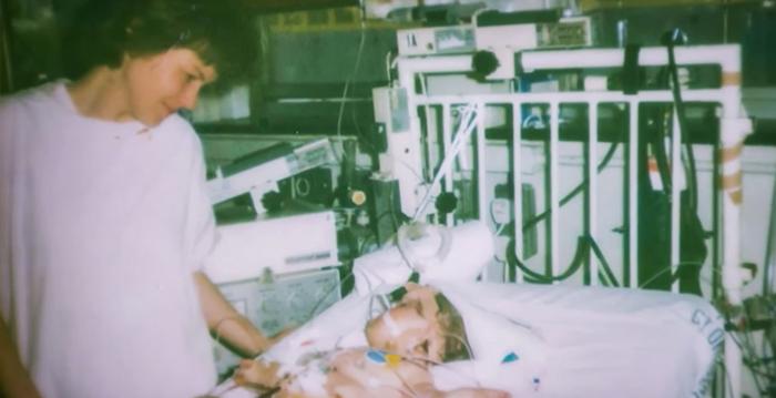 מירקה והתינוקת שלה בבית החולים