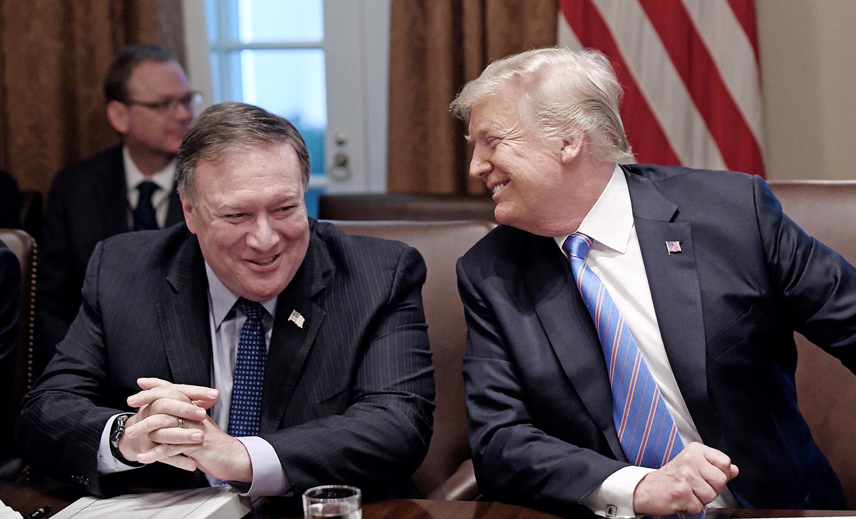 טראמפ ופומפאו. פועלים באותו כיוון |תמונה: Olivier Douliery-Pool/Getty Images
